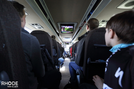 VIP-bus with live TV
